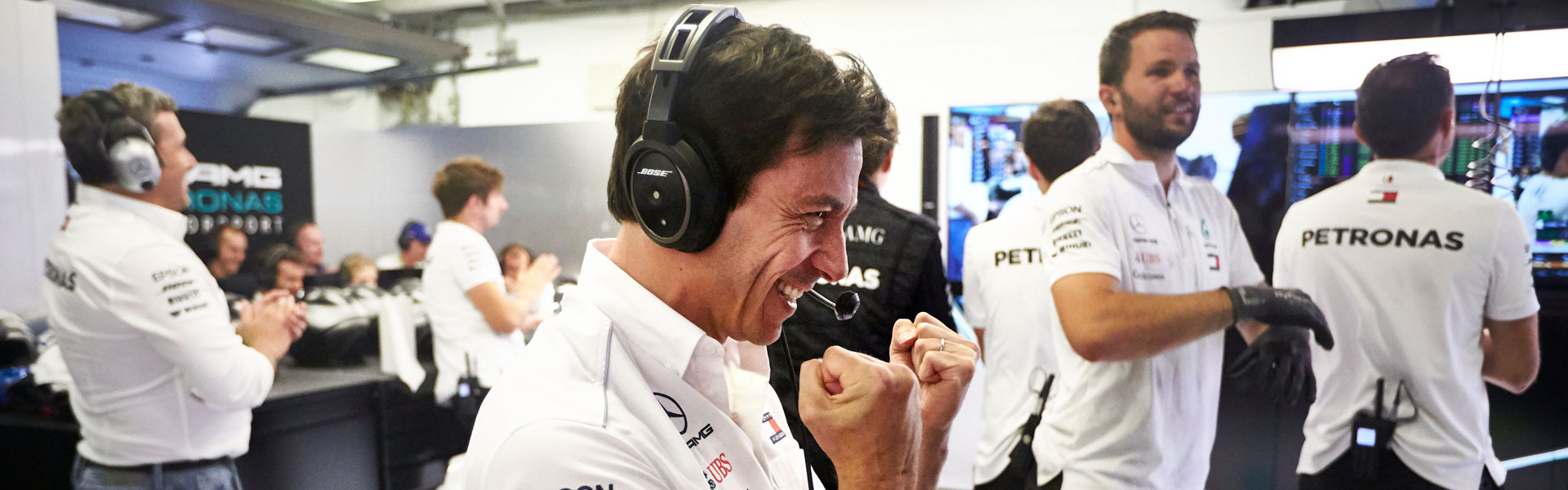 Toto Wolff will lead Mercedes for another three years!