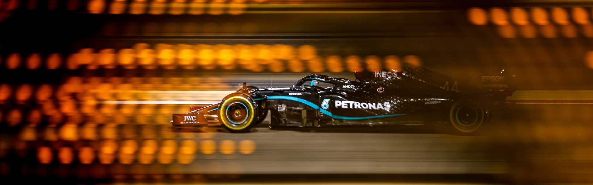 Lewis Hamilton wins a hard and shocking Bahrain GP